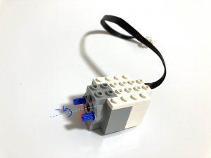 モーターは速度を −(マイナス)にするとモーターの回転方向を逆にできます。