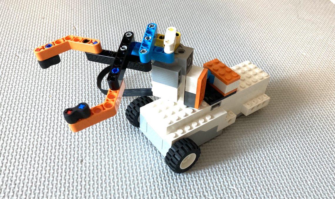 レゴブーストの市販教材・無料ツールを活用しよう!【書籍・Scratchでステップアップ】